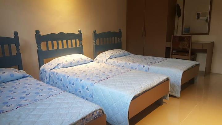 Blissful Bed & Breakfast (Room 3)