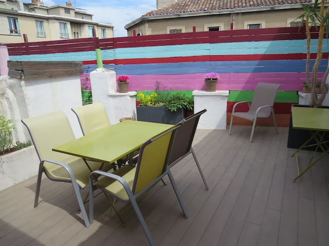 ROOF TERRACE AND CAR GARAGE - Marseille - Appartement