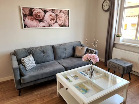 Romantic Old Town Apartment in the Flower City