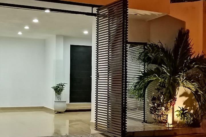 Cisne&Flores/casa completa-cochera techada-NETFLIX