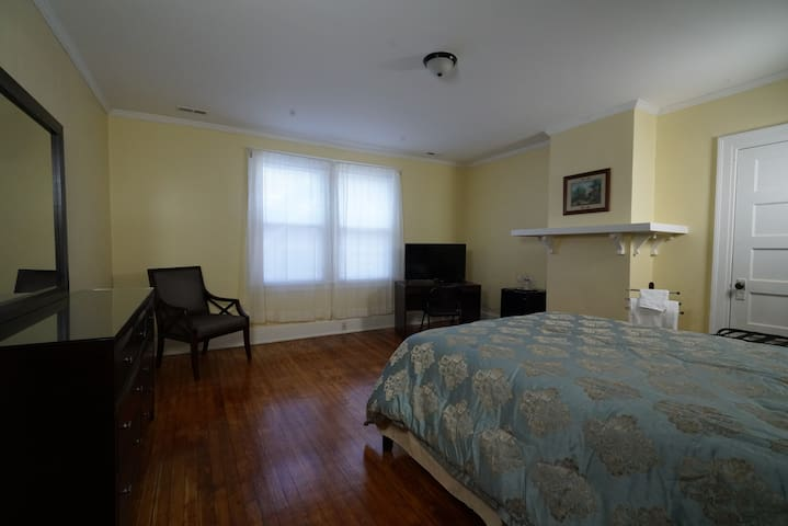 Room on 2nd Fl - 7