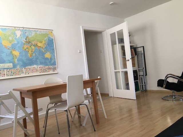 Nice apartment - 15 min walk into the centre - Stuttgart - Appartement