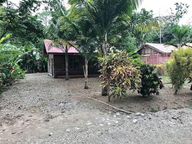 Cabaña Rústica Golfito