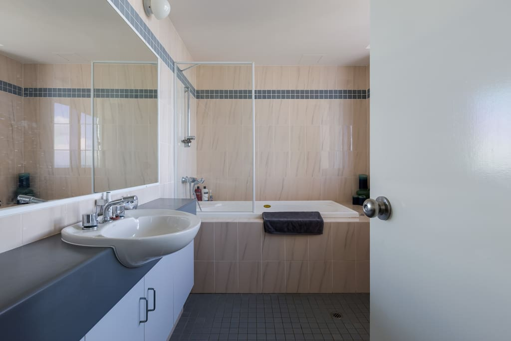 Private Guest Ensuite with Ocean Views.