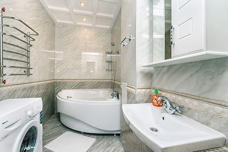 Designer flat  Lev Tolstoy Square - Apartment