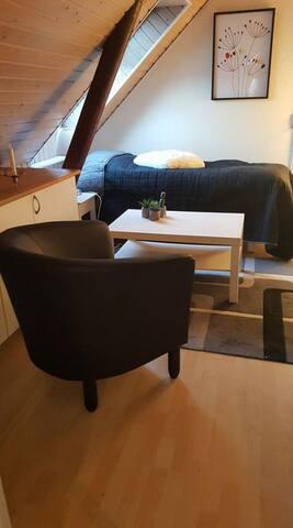Enkelværelser nær køge , tæt på motorvej til - Køge - Wikt i opierunek