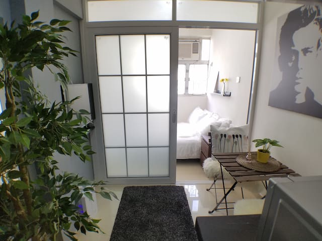 ★★ Memories Begin Here ★★ by Sandra - Hong Kong - Apartment