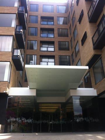 Hermoso apartamento amoblado perfectamente nuevo - Bogotá - Apto. en complejo residencial