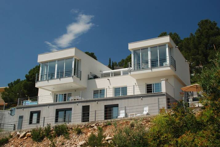 Modern Villa/Apt.Spectacular views - les planes del rei - Vila
