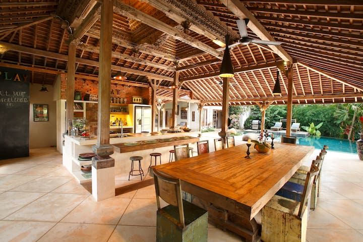 Eco-luxury, family-friendly villa - Ubud