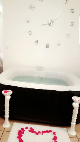 Appartement avec jacuzzi privatif - Saint-Rémy-lès-Chevreuse - Apartment
