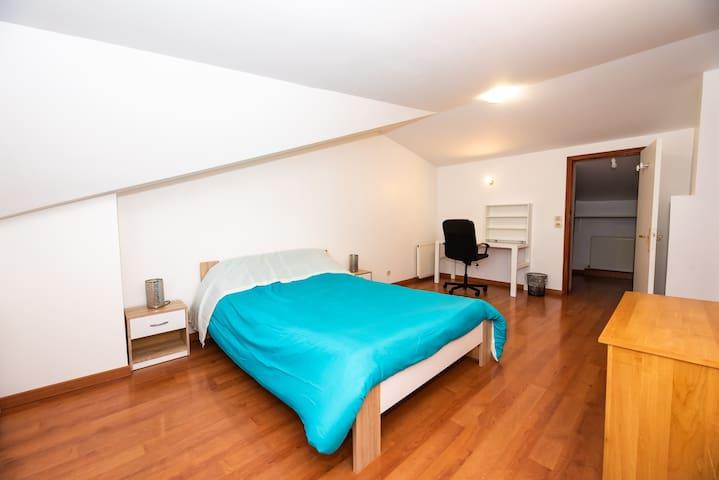 Room (19m²)