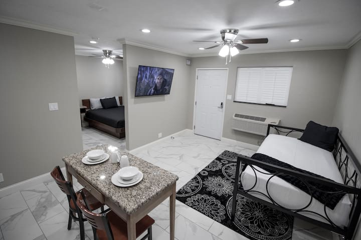 Fully Furnished - 1 Bedroom Apt (Newly Renovated)