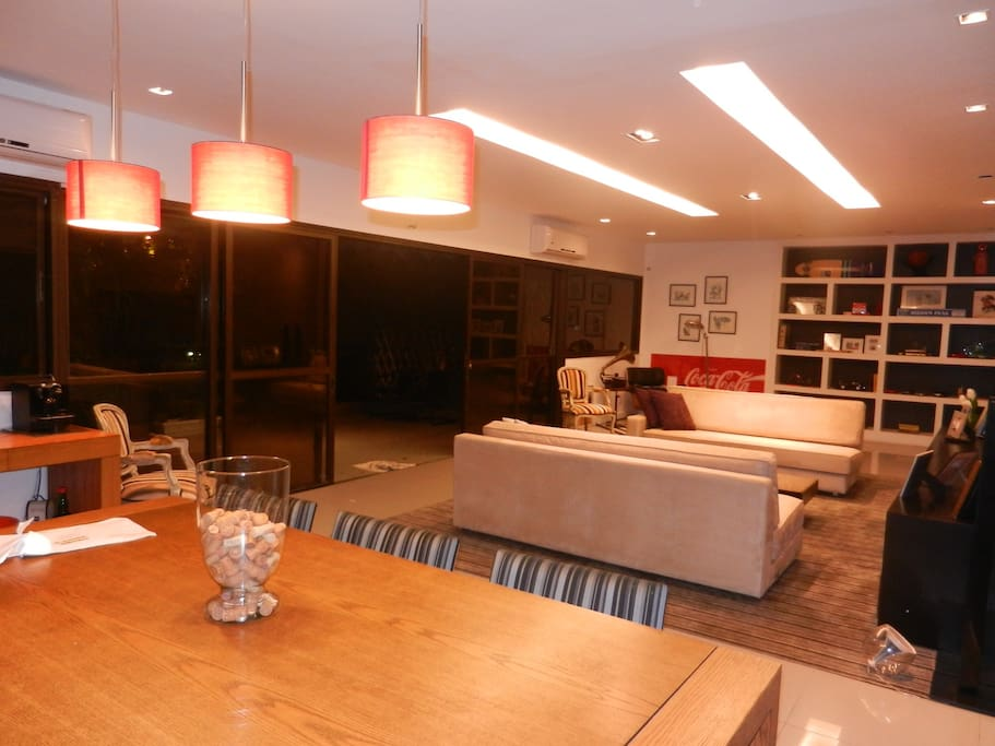 Amazing living room with cool and modern decoration.