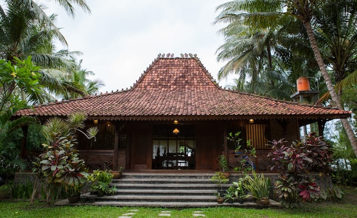 Seafront Villa on Java West Coast, Indonesia