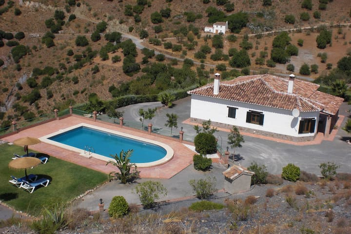 Cottage between mountains - El Chorro - House