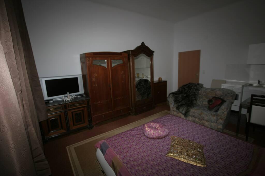 Wohn/ Schlafzimmer 1    Living/Bedroom 1