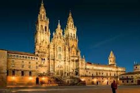 Habitación Doble en Santiago, junto a la Catedral!