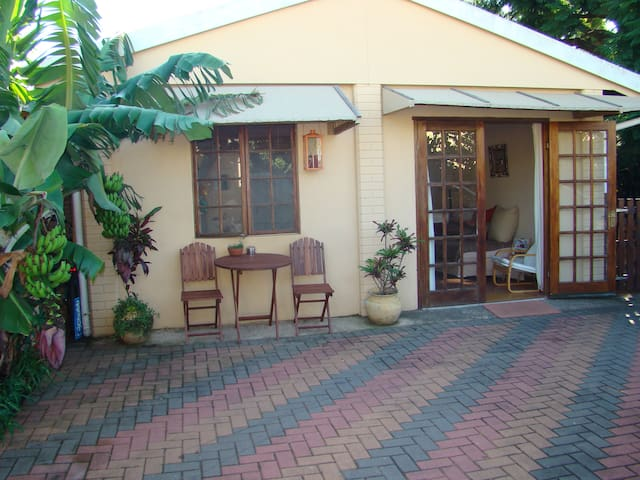 Cosy Garden Cottage in Glenwood