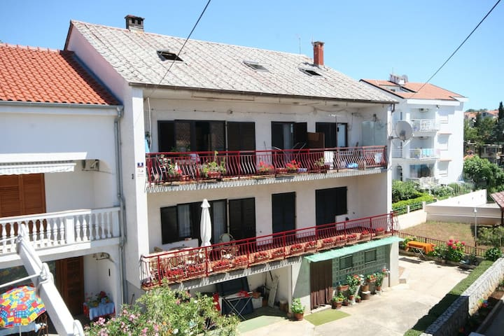 Apartment Ena with 3 rooms/2 baths - Malinska - Flat