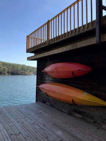 Cozy up right on beautiful Lake Rabun - Lakemont - Kulübe