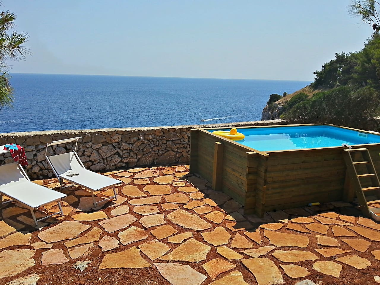 The cliff sea view from the pool