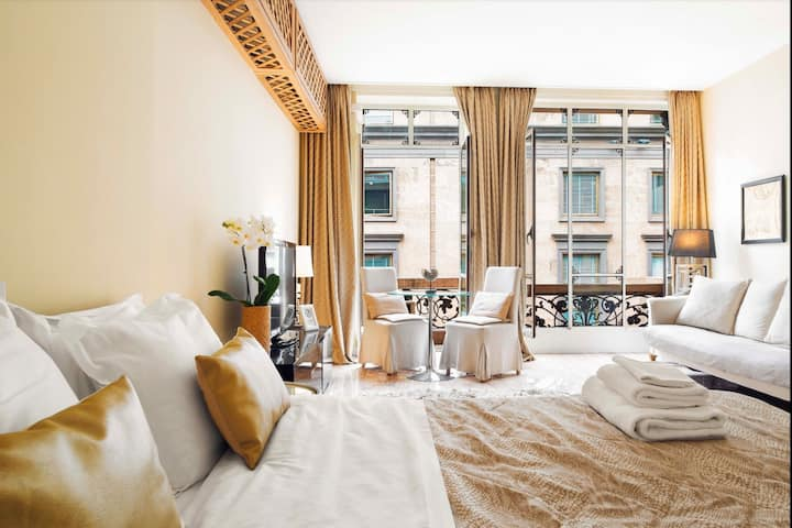Luxury Suite with balcony and Duomo view (DS)