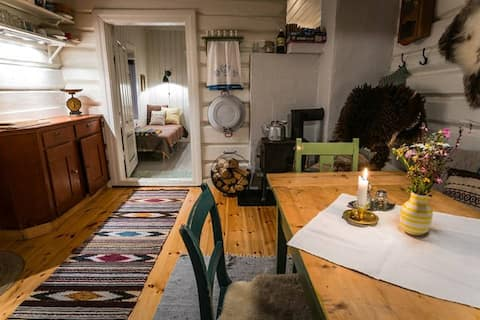 Farm stay in Norway: Authentic logcabin for rent.