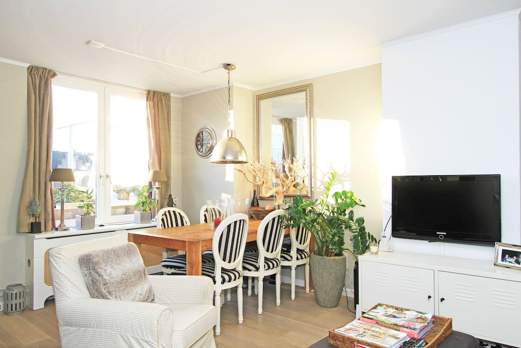Oud west jordaan with canal view appartamenti in affitto for Appartamenti amsterdam jordaan