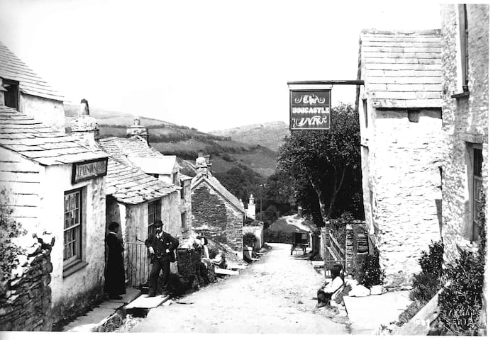 Originally the Boscastle Inn now cottage to let - Boscastle