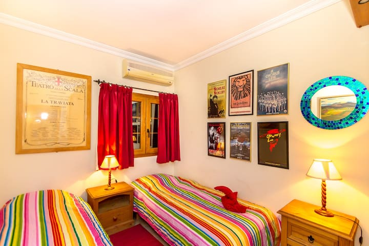 Bedroom 3; Twin