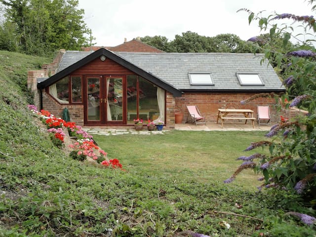 Piglet - Self Catering - Freshwater - House