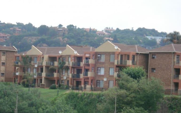 Lovely Bassonia Apartment - Johannesburg South - Apartemen