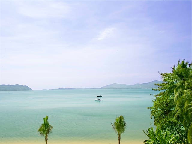 Phuket beachfront 4B/R Bliss
