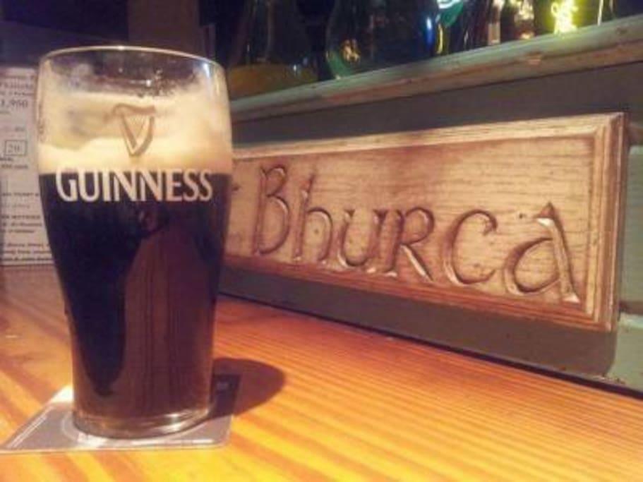 A pint of Guinnes at Burkes pub / restaurant in Clonbur