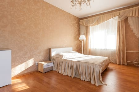 Beautiful city center apartment - Калининград - Pis