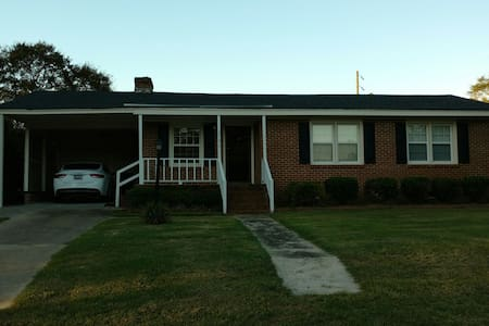 Private room with Internet. - Cheraw - Haus