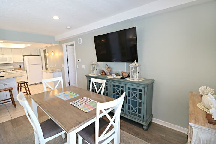 Comfortable 1/1.5 Quail Hollow B5-3D, Ground Floor Near Pool and Private Boardwalk to Beach