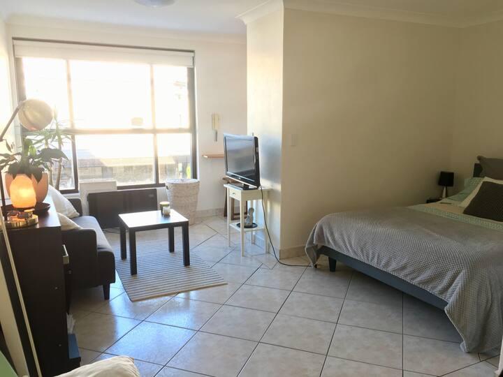 Studio apartment in the heart of Bondi Beach