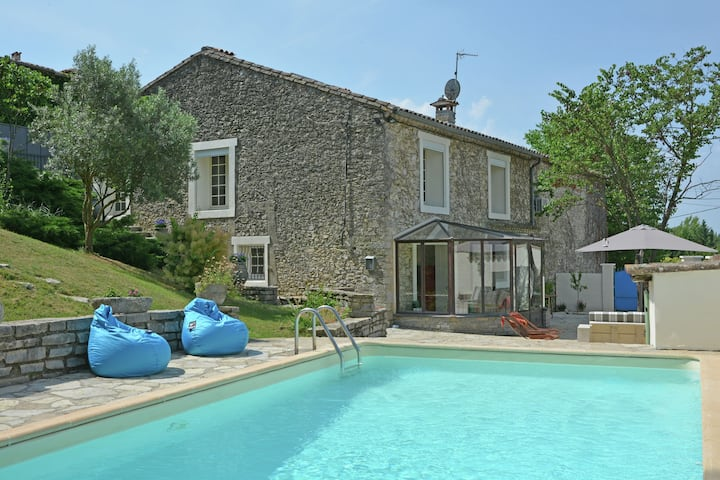 Between the beach and the lake: a gorgeously renovated bastide with  swimming pool