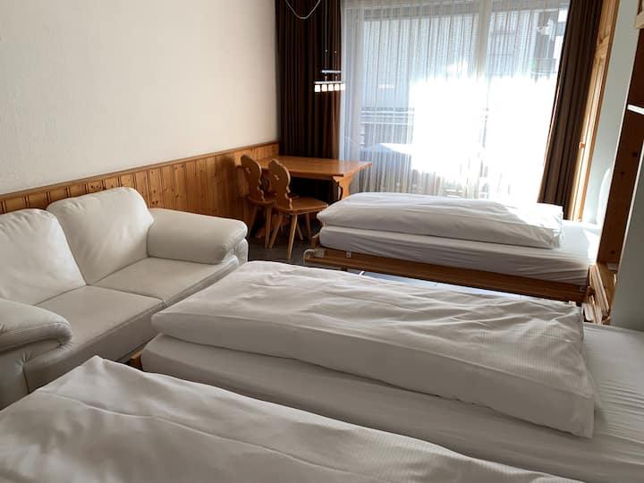Hotel Des Alpes Dreibettzimmer