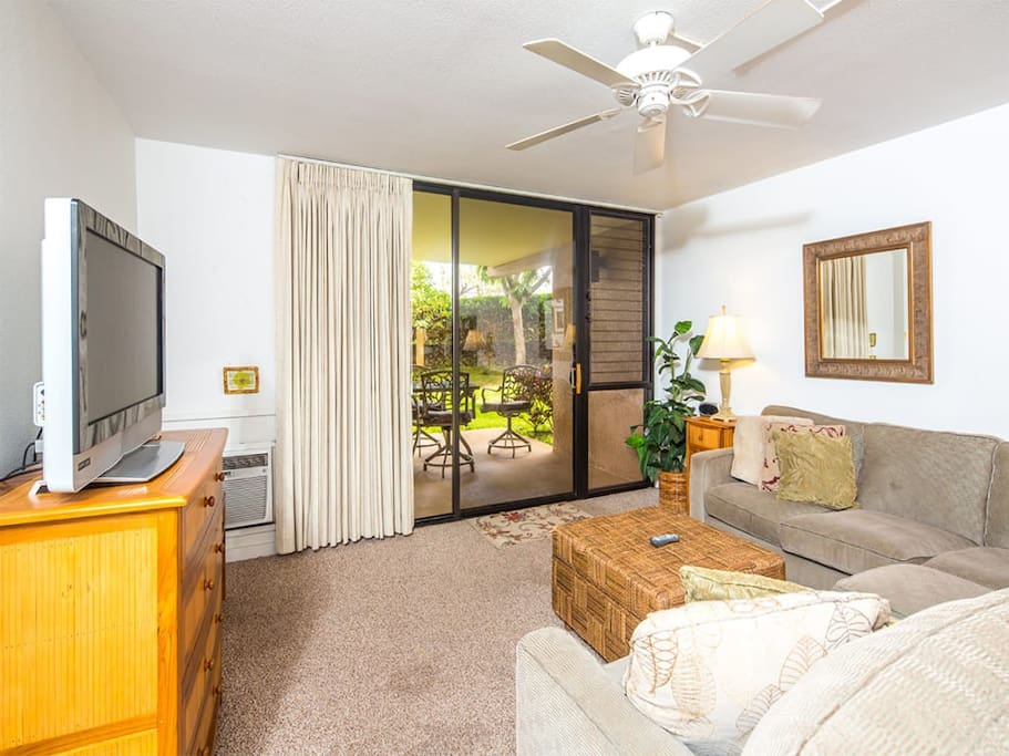 kamaole-1st-4112-living-room-02.jpg