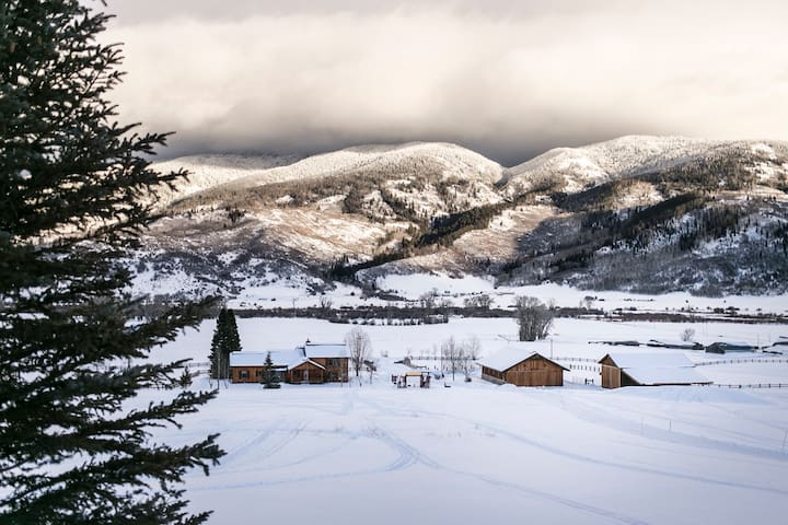 Steamboat Springs Ranch - Oak Creek
