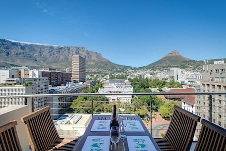 City Chic meets Table Mountain - Kapstadt