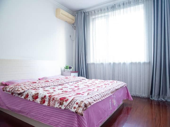两室一厅精装民居,市中心,紧邻民族大学,西拉木伦公园,万达广场,大润发,阳光充沛南北通透,温馨舒适