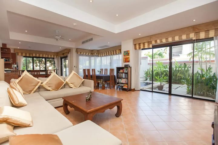 4 BR Angsana Laguna Villa with Private Pool