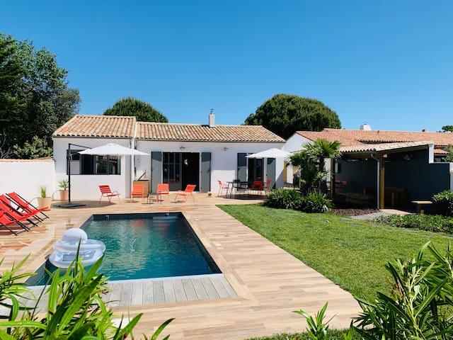 Maison 6 personnes, piscine chauffée, proche plage