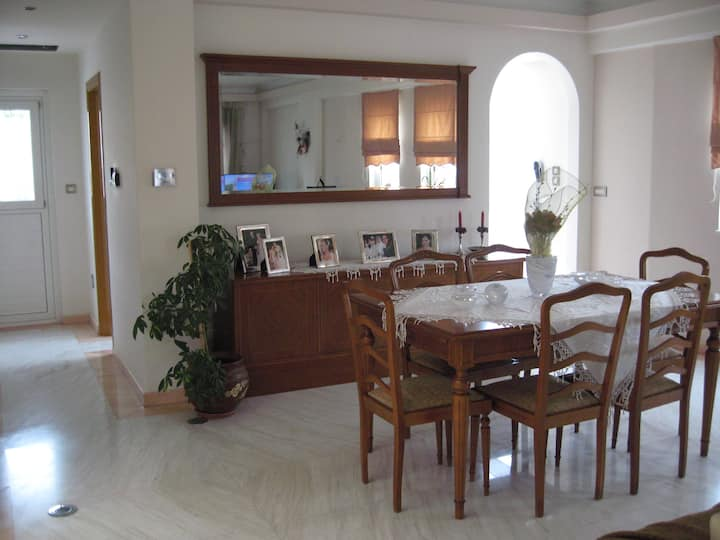 Urban 4 bedroom villa with private pool at Rafina