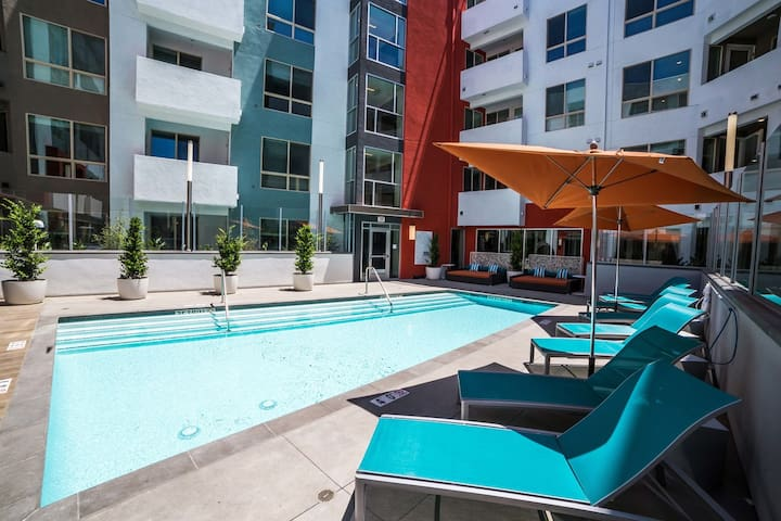 Live The LA Lifestyle! | FREE Parking–Keurig–Pool