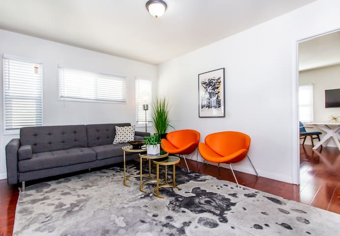 BEST Los Feliz Two Bedroom Luxury 1